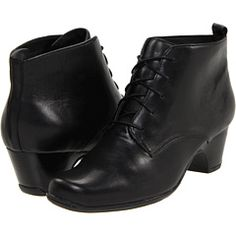 """Clarks, Leyden Bell.  1 3/4"""" heel, looks good for running for the bus in."""