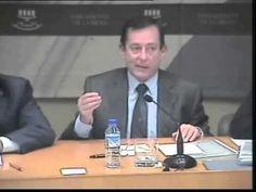 Javier Erro sobre los descuentos de los parados. Javier Erro, consejero de Industria, Innovación y Empleo de La Rioja ha generado buena polémica en la región después de unas declaraciones en las que daba a entender que los parados tienen muchos privilegios. Lo manifestó hace dos meses en una sesión parlamentaria, pero ha sido hace dos días cuando sus palabras han tenido trascendencia después de que sus declaraciones se colgaran en YouTube y las recogiera El Plural.