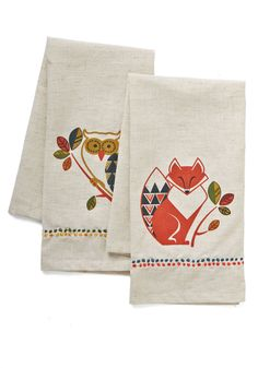 Please Wipe Your Paws Tea Towel Set. Keeping pesky paw prints out of your kitchen has never been easier - or cuter - than with this forest-themed set at hand! #multi #modcloth