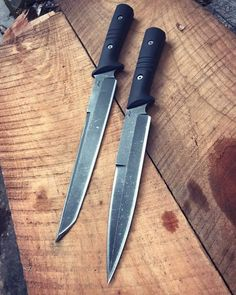 Swords And Daggers, Knives And Swords, Knives And Tools, Zombie Weapons, Ninja Weapons, Arte Ninja, Specialty Knives, Knife Art, Japanese Sword