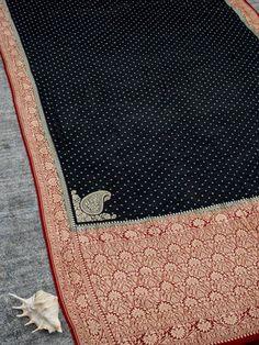 Black Color Pure Khaddi Georgette Silk Banarasi Saree with Zari Booti across the body with zari work on Maroon Border and Zari Konia Pallu. Sabyasachi, Banarasi Sarees, Saree Dress, Shades Of Green, Weaving, Stripes, Kids Rugs, Pure Products, Embroidery