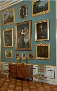 Gallery Wall Frames, Bedroom Decor, Wall Decor, Antique Interior, Interior Decorating, Interior Design, Classic Interior, Victorian Homes, Old Houses