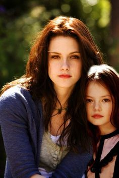Bella+Swan+and+Renesmee | Publicado por Twilighters Cullen Black