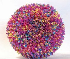 Esfera unicel Origami And Quilling, Origami And Kirigami, Origami Ball, Paper Crafts Origami, Paper Quilling, Oragami, Origami Modular, Origami Ornaments, Rolled Paper Art