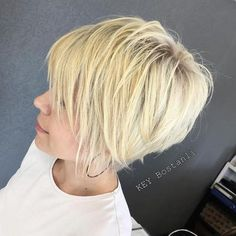 Edgy Pixie Cut For Blondes