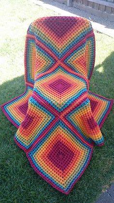 ergahandmade: Crochet Blanket + Free Pattern + Video Tutorial