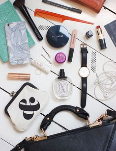 Frey de Fleur | Luxury Lifestyle Blogger | What's In My Bag Inspiration