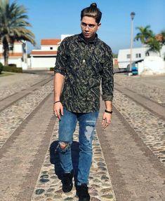 Juan De Dios Juki, Disney Channel, Crushes, Men Casual, Mens Tops, Google, Projects, Fashion, Moda Masculina