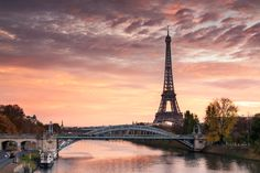 Europe: Americans Can Book Cheap Flights to Paris and London