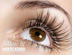 Ingin bulu mata dan alis mata tumbuh tebal? Simak tips cara membuat serum bulu mata dari minyak kelapa berikut ini. #alismata #penumbuhalis #penumbuhbulumata
