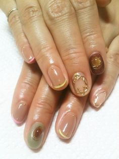 Cute nails!! You could do the opposite.. - http://yournailart.com/... - #nails #nail_art #nails_design #nail_ ideas #nail_polish #ideas #beauty #cute #love
