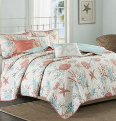Drift off to the sandy shore with a coastal, beach, and sea life themed quilts: http://www.completely-coastal.com/2016/08/coastal-quilt-sea-life-cotton-quilts.html