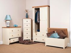 Beautiful Oak and cream bedroom collection! Call our friendly team on 01535606660 to order yours today :) x
