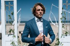 BLUE WEDDING SUIT: perfect color at the beach.