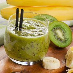 Smoothie mit Banane und Kiwi