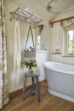 Advice, techniques, together with quick guide in pursuance of receiving the most ideal outcome and also creating the maximum usage of Home Renovation Diy Shepherds Hut, Tiny Spaces, Tiny House Living, Tiny House Design, Small Space Living, Home Renovation, Shabby Chic, Interior Design, Glamping