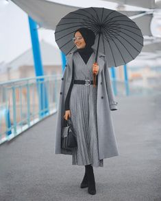 ✔ Fashion Inspiration Summer Work Outfits scarf is a vital bit inside ap Modest Work Outfits, Summer Work Outfits, Summer Fashion Outfits, Summer Outfits Women, Casual Summer, Work Fashion, Hijab Casual, Stylish Hijab, Dress Casual