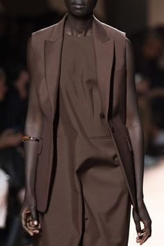 Brown Fashion, Autumn Fashion, Nude Outfits, Brown Outfit, Power Dressing, Couture Fashion, Paris Fashion, Business Outfits, Contemporary Fashion