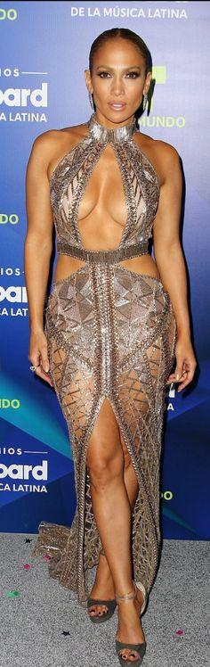 Jennifer Lopez : Dress – Julien MacdonaldShoes – Jimmy Choo