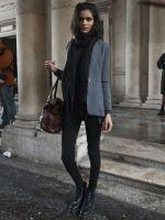 Op chic met colbert en zwarte skinny - 20 stylingtips: zo draag je jouw Dr Martens in 2014