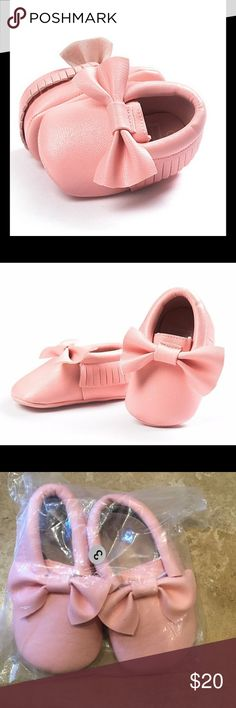 🎉HP🎉02/12/17🎉NWT pink moccasins NWT pink moccasins. Tag size 13. Fits 12-18 months Shoes Moccasins