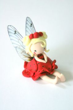 Fairy Figurine in a flower pot por TheDollAndThePea en Etsy Polymer Clay Fairy, Polymer Clay Dolls, Polymer Clay Projects, Clay Crafts, Dragon Cakes, Fondant Cake Toppers, Clay Fairies, Fairy Figurines, Clay Figurine