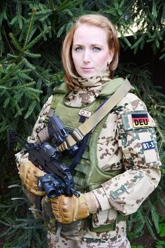 countries with the most beautiful women soldiers Mädchen In Uniform, German Women, Female Soldier, Military Girl, Warrior Girl, Military Women, Girls Uniforms, Badass Women, Special Forces