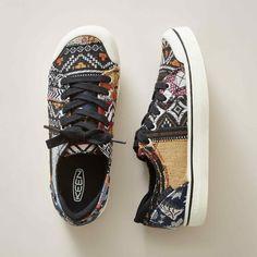elsa i v sneakers