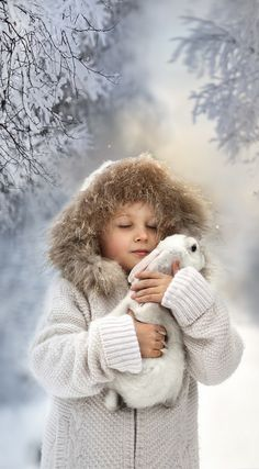 Winter - Children - by Elena Shumllova Framing, well done! I Love Winter, Winter Kids, Winter Snow, Winter White, Winter Christmas, Blue Christmas, Snow Scenes, Winter Scenes, Animals For Kids