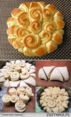 Knoflook brood. 40 g gist, 3/4 kop melk, half kopje warm water, 1 eetlepel bloem. Meng en wacht 15 minuten.Voeg 1 ei, 1/2 theelepel suiker, 2 theelepels zout, 4 eetlepels olijfolie 300 g volkoren meel en 300 gram tarwemeel toe. Rol het deeg uit en snijd in reepjes, besmeer met kruidenboter, oprollen zoals op de foto. Bak 30 minuten op 180 °. Ik ga dit eens proberen in een zoete versie...