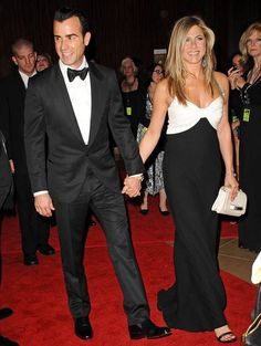 Jennifer Aniston and Justin Theroux color coordinate