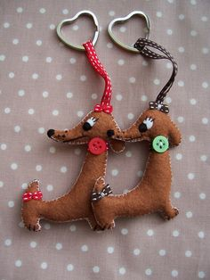 Felt Dachshund Sausage Dog Keyring choice of two colours red & brown ribbon.