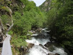 Hiking in the French Pyrenees. Caranca Gorge #hiking