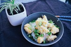 Honey Sesame Chicken // Sweet and tangy honey sesame chicken with panko and spring onions // http://desiredcooking.com/recipes/honey-sesame-chicken
