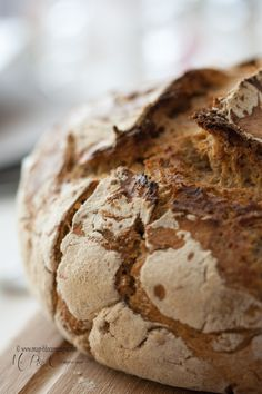 FRANCE / http://www.whichmeal.com/france/dishes/RYE-BREAD-442/