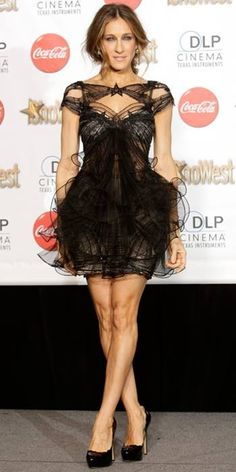 She is a fashion icon worldwide with a secy black dress that only she can wear! Sarah Jessica Parker! <3 love her!