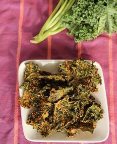 cheesy yet vegan kale chips