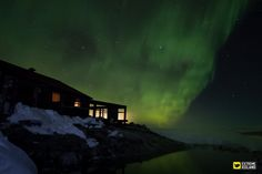 Northern lights above the lodge #Iceland #ExtremeIceland #northernlights