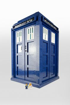 1/3 scale LEGO TARDIS; new life goal