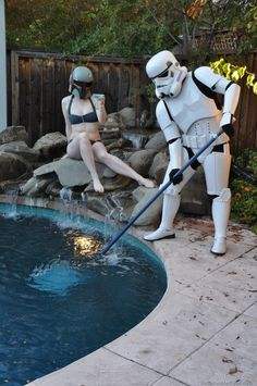 If I ever have a pool, I'm gonna sit around as Bobba Fett while a Stormtrooper cleans it. Weekender, Pool Cleaning Service, Cleaning Services, Waterfall Features, Star Wars Day, The Force Is Strong, Far Away, Funny Photos, Lol