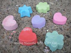 DIY side walk chalk to make this summer or for Lainey to make as a Christmas gift for her sisters
