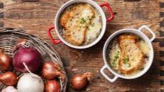 Schwartz recipe for Baked French Onion Soup, ingredients and recipe ideas for soup and French cooking. Classic French Onion Soup, Garlic Benefits, Onion Soup Recipes, Soup Dish, Roasted Onions, Hot Soup, Tzatziki, Parmesan, Vegetarian Recipes