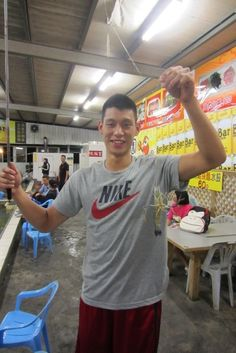 Jeremy Lin Went Shrimp Fishing In Taipei