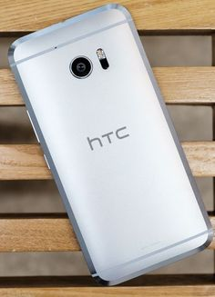 HTC 10 in poze reale; bijuterie de smartphone cu design superb http://www.gadgetlab.ro/htc-10-in-poze-reale-bijuterie-de-smartphone-cu-design-superb/