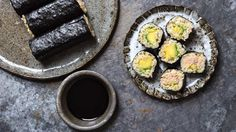 Looking+for+a+simple+way+to+make+sushi+in+the+comfort+of+your+own+home? Try+this+healthy+and+super+easy+brown+rice+tuna+and+avocado+recipe,+prepared+by+Sushi+Sushi+co-founder+and+CEO+Anna+Kasman.