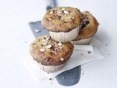 Haselnussmuffins mit Pflaumenmus | http://eatsmarter.de/rezepte/haselnussmuffins-mit-pflaumenmus