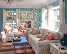 Anyone else dreaming of a beachy getaway in a cheerful cottage like this? Check out Cottages Vacation Rentals featured on House of Turquoise! - Model Home Interior Design Beach Living Room, Coastal Living Rooms, Home Living Room, Living Room Decor, Cottage Living, Coastal Cottage, White Cottage, Cottage House, Coastal Decor