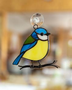 Chickadee bird stained glass window hangings bird lover gift Stained glass suncatcher anniversary gift – Verre et de vitrailes Custom Stained Glass, Stained Glass Birds, Faux Stained Glass, Stained Glass Designs, Stained Glass Projects, Stained Glass Patterns, Leaded Glass, Stained Glass Windows, Mosaic Glass
