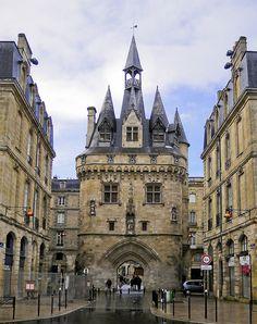 Porte Cailhau, Bordeaux, France  by SBA73