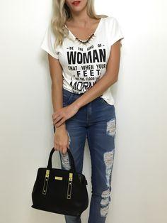 T-shirt com colar - Flávia Christina